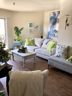 Downtown living room white